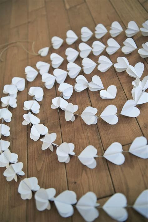 Best 25  Paper heart garland ideas on Pinterest   Heart