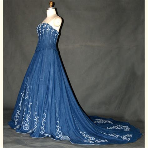 Denim Wedding Dresses: Delightful or Dreadful