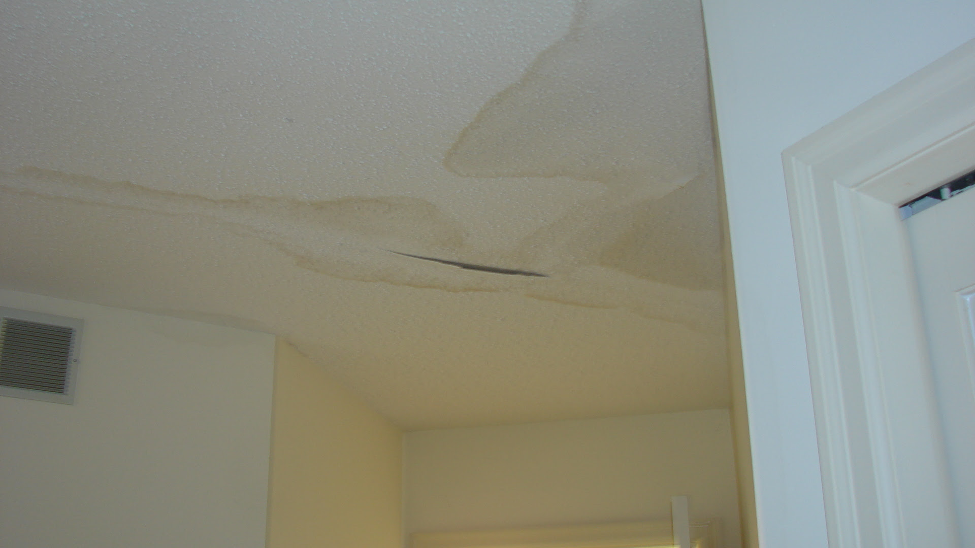 Water Damage To Ceiling Drywall