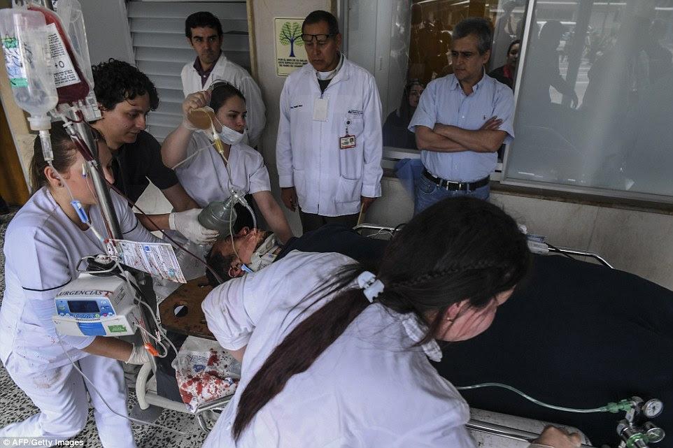 As autoridades colombianas disse mais tarde que uma sexta pessoa foi encontrada viva revelando thatelio Hermito Zampier Neto, que está em processo de ser evacuados, é confirmada