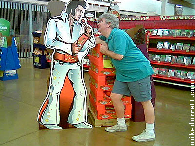 Elvis Presley and Mike Durrett together on the same screen!