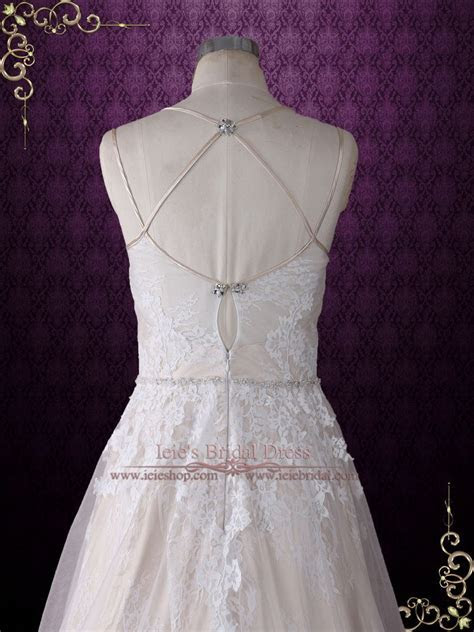 Size 8 Vintage Style Champagne Lace Wedding Dress with