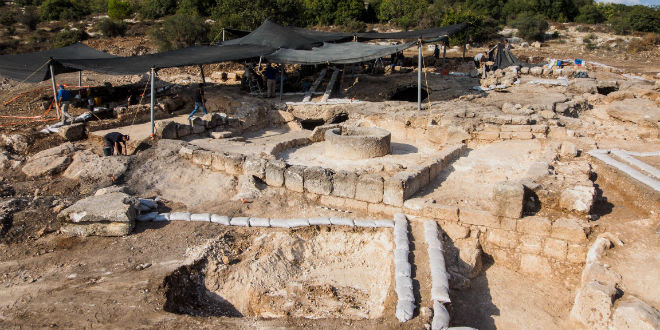 The excavation of a Byzantine era compound in Beit Shemesh. (Photo: Assaf Peretz/ Israel Antiquities Authority)