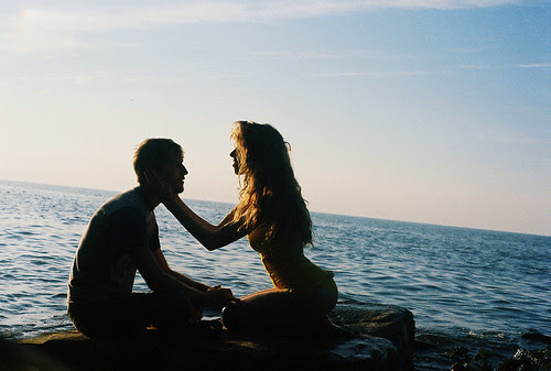 LE LOVE BLOG LOVE PHOTO PIC IMAGE ROMANTIC couple beach holding face man woman #22 by weepy hollow, on Flickr
