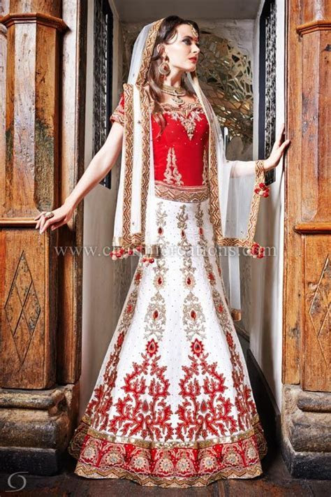 Indian bridal red and white lengha with 10 panelled skirt
