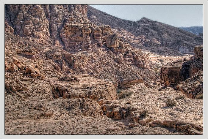Затерянный мир. Каньон в Синайской пустыне/3673959_3_2 (700x468, 166Kb)
