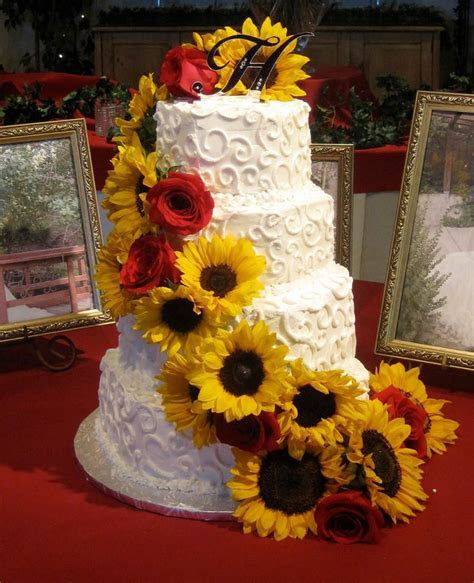 17 Best ideas about Sunflower Wedding Decorations on