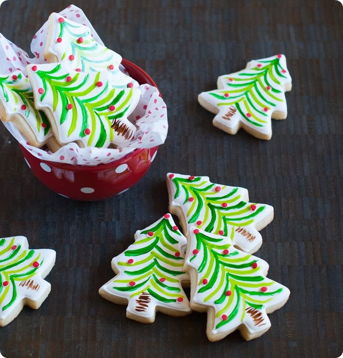 painted christmas tree cookies ...so easy and festive! from @bakeat350