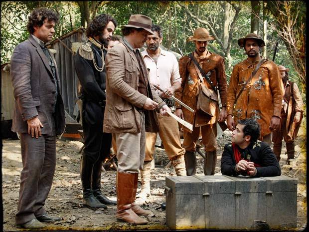 A ideia é usar o coronelzinho para retomar o palácio (Foto: Cordel Encantado/Tv Globo)