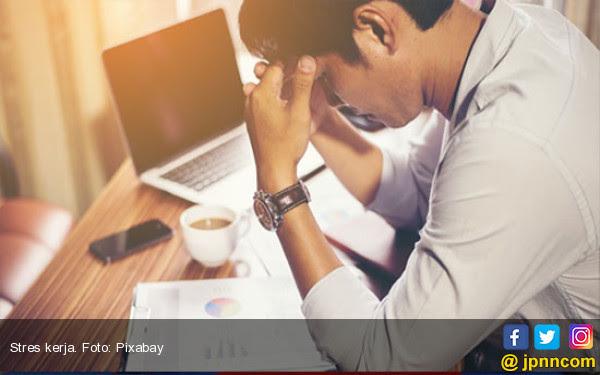 Bekerja Lembur Membuat Gerakan Irama Jantung Tak Beraturan? - JPNN.COM