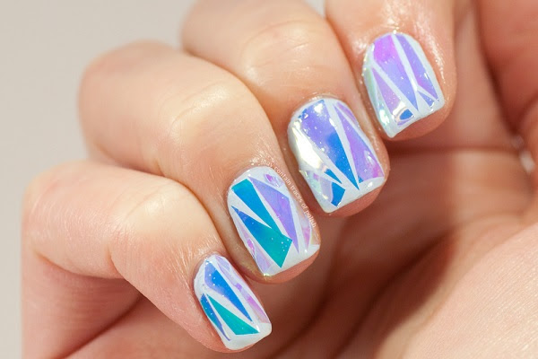 4-shattered-glass-nail-art