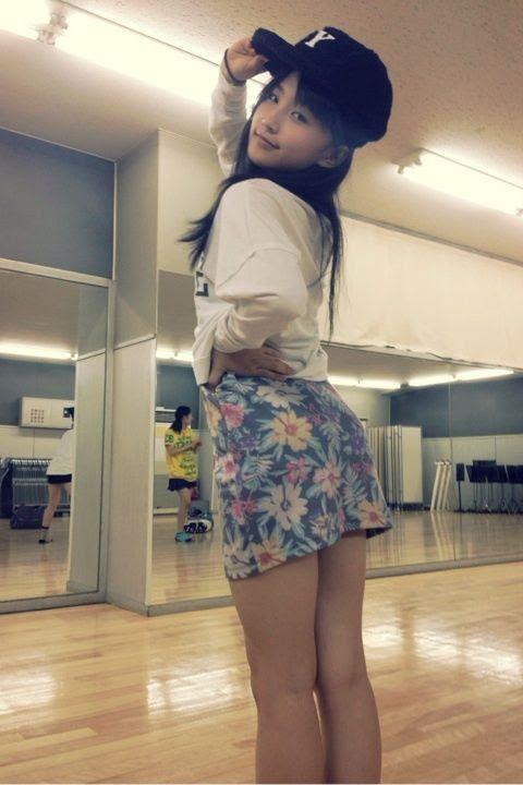 Pic from RihoRiho'sblog postComment from 2ch:(Note: Shiri means butt)52 :名無し募集中。。。2013/10/20(日) 23:41:35.470さやし さや尻 さや尻ほSayashiSaya-shiri (lit. Saya-butt)Saya-shiri-ho