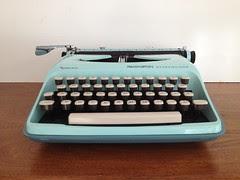 Vintage typewriter Streamliner by Remington by vintage19_something