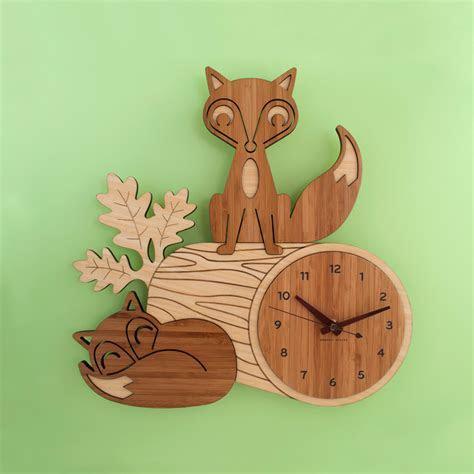 Wooden Clock 01   Brands Gifts