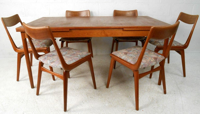 Outstanding Mid Century Furniture Dining Room Table 768 x 438 · 133 kB · jpeg