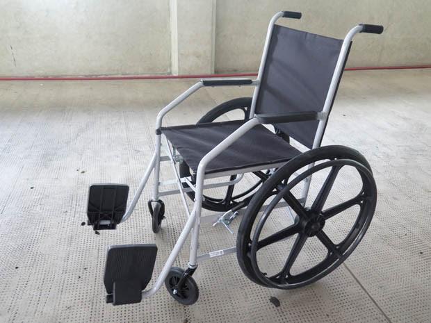 Prédios com elevador devem ter cadeira de rodas (Foto: Mariane Rossi/G1)
