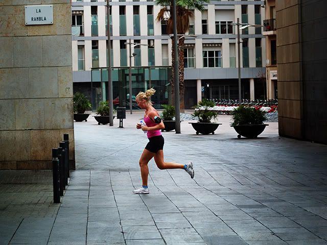 Jogging in La Rambla, Barcelona [enlarge]