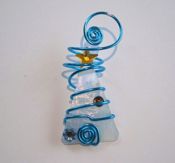 Glass Ornament Wire Wrapped Christmas Tree - White