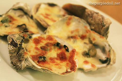 Plate - Baked Oyster with Cheese