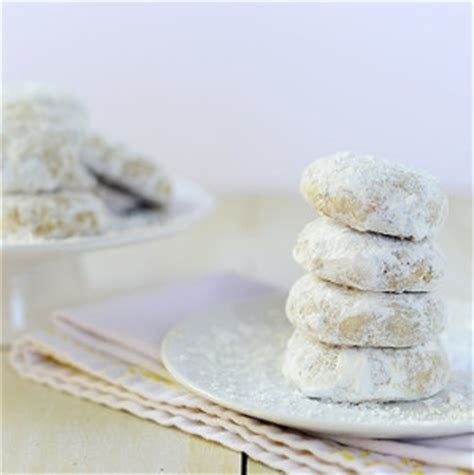 Polvorones (Mexican Wedding Cookies