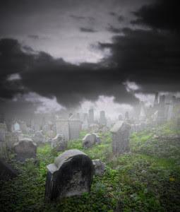Graveyard in Fog © Can Stock Photo Inc. / [Jag_cz]