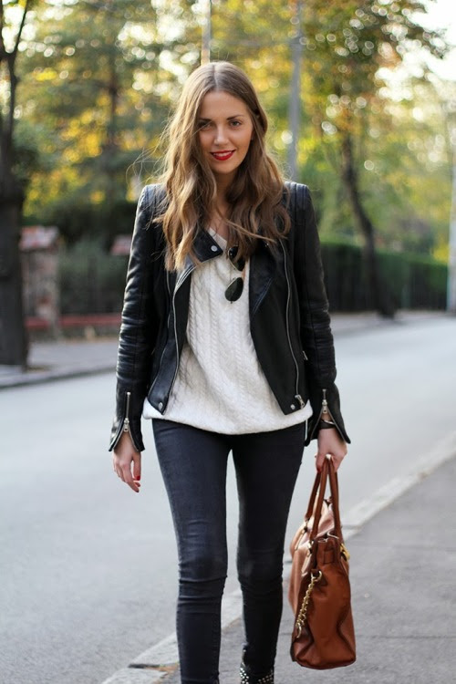 the-streetstyle:  Red lips…via fashionandstylev