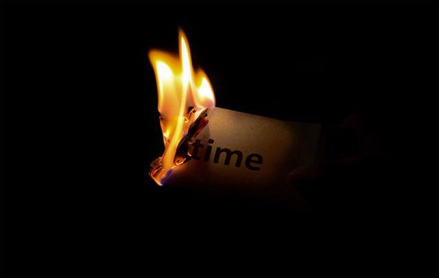 alasannya ialah bersikap tidak patuh dengan waktu sanggup berimbas jelek dengan masa depanmu Sebagai Laki-laki Harus Berpacu Dengan Waktu