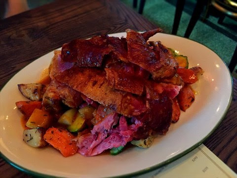 750 Gram Roasted Pork Knuckle - 銅鑼灣的FRITES Belgium on Tap