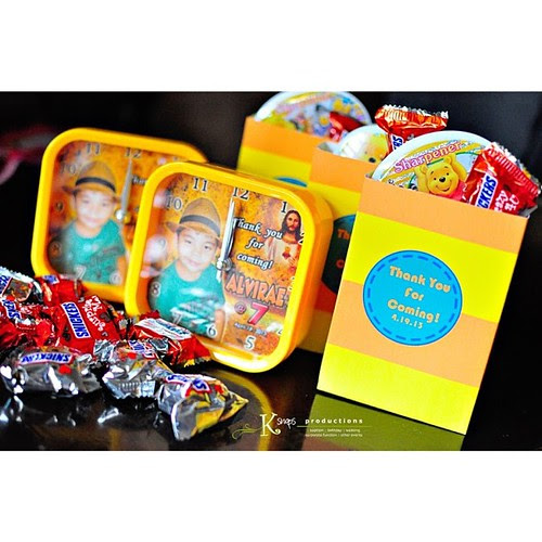 loot boxes by @papelbyj #ksnaps #ksnapsproductions #lootbox #loot #party #preps #candies #chocolates #yellow #orange #partyideas #partydetails