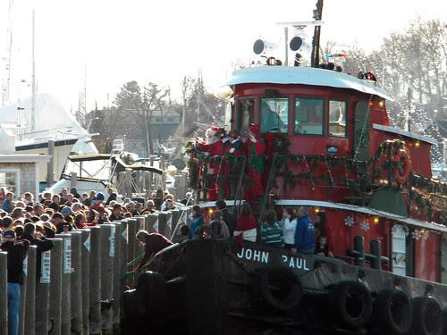 santa on tugboat 2
