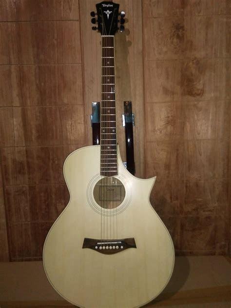 jual gitar akustik taylor custom  ongkir  lapak