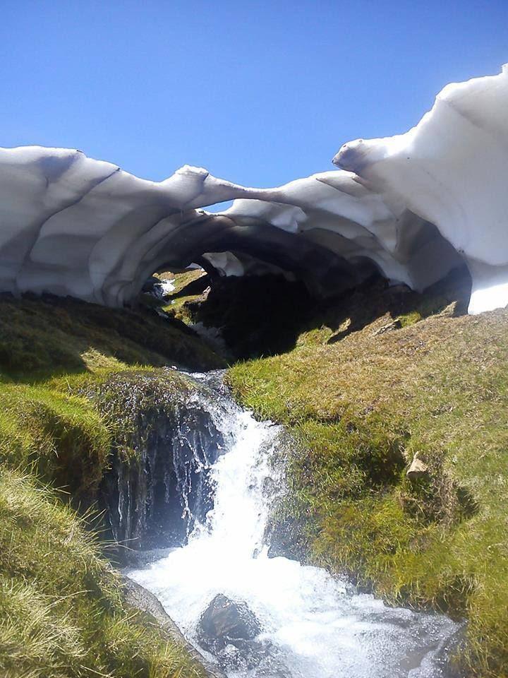 Parece que SI se esta fundiendo la nieve en en el Parque Natural de Sierra Nevada. Desde Capileira, cada vez se ve menos. Simplemente...precioso. ¿Quieres verlo?