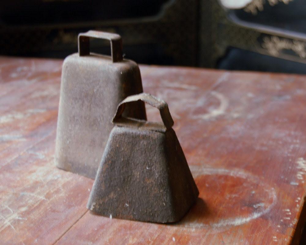 Antique Rusty Cowbells, Cast Iron Cow Bells Primitive Farm Bells Rustic Home Decor - CalloohCallay
