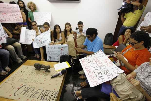 Parentes e amigos de Raimundo Neto contam com parceria da UFPE que acionará Secretaria Nacional de Direitos Humanos. Foto: Paulo Paiva/DP/D.A Press
