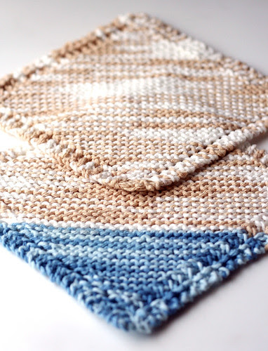 Beachy dishcloth pair