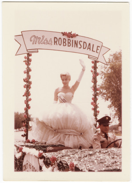 http://stuffaboutminneapolis.tumblr.com/post/138748509049/miss-robbinsdale-on-parade-float-1960-minnesota
