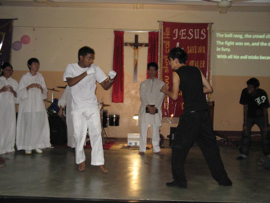 Jesus vs Satan - Fight!