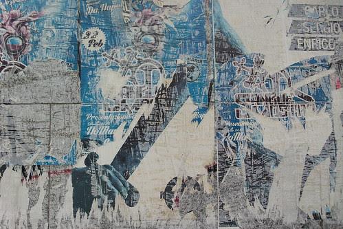 Tracce di affissioni con ritmo diffuso by Ylbert Durishti