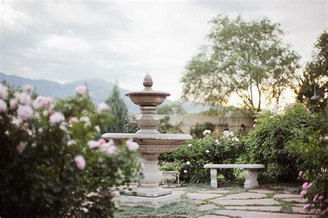 Autumn Cutaia   Hillside Gardens Wedding Photographer