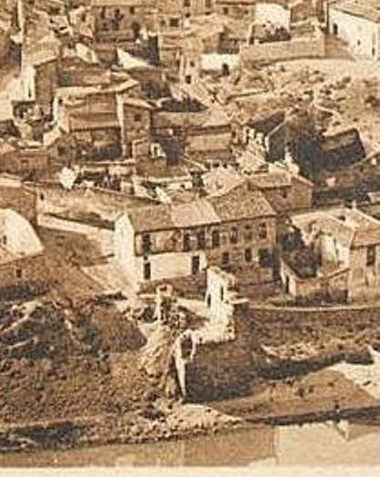 Torre del Hierro de Toledo en ruinas a inicios del siglo XX