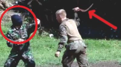 Berita Kali ini : WOWW !! Tentara Indonesia Ladeni Serangan Tentara Amerika Dengan Mata TERTUTUP !!, Bagikan !