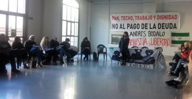 Asamblea estatal de las Marchas de la Dignidad celebrada en el centro social Luis Buñuel de Zaragoza.