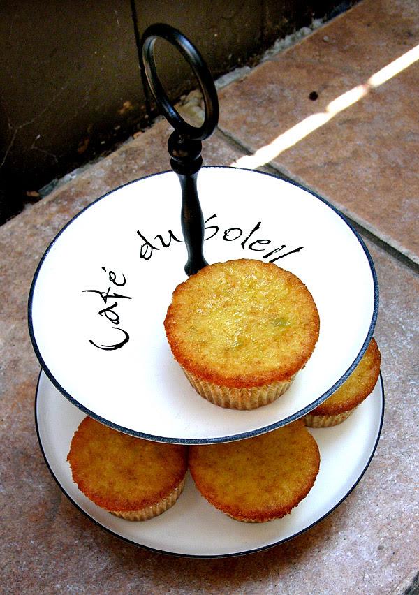 pistachio almond cupcakes