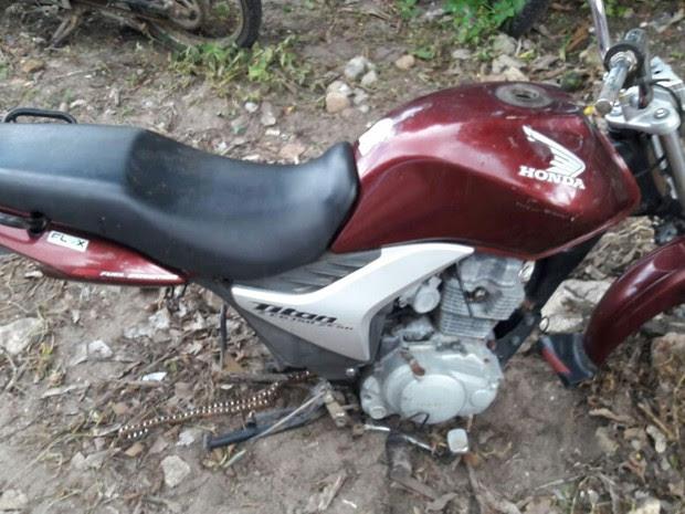 Jovens são suspeitos de furtar peças de motos  (Foto: Divulgação/Polícia Civil)