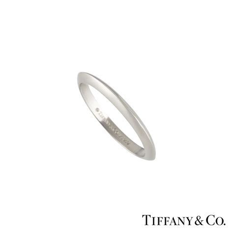 Tiffany & Co Knife Edge Wedding Band in Platinum   Rich