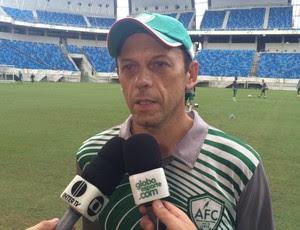 Fernando Tonet - técnico do Alecrim (Foto: Augusto Gomes/GloboEsporte.com)