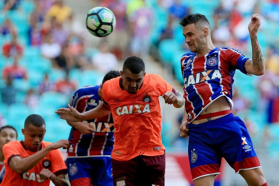 Bahia faz quatro gols em sete minutos e arrasa Atlético-PR na estreia da Série A