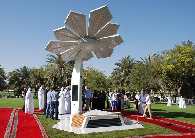 The ceremony launching the Smart Palms was well attended by UAE locals