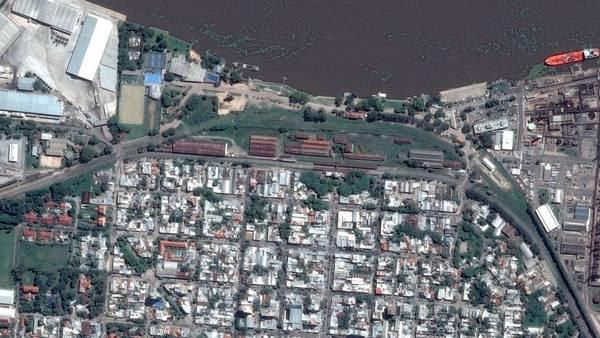 Vista aérea de la estación Rosario Norte, del ferrocarril Mitre, junto al río Paraná, uno de los propiedades inmuebles del Estado nacional.