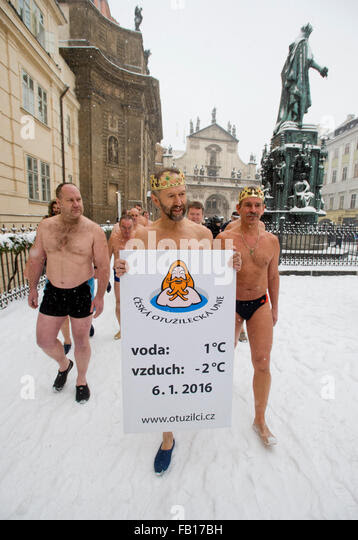 Prague, Czech Republic. 06th Jan, 2016. Winter swimmers take part in the traditional Three Kings swim in the Vltava - Stock Image